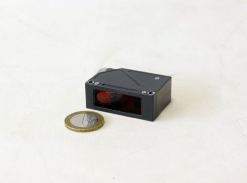 Sensores Laser Compactos para curtas distâncias (versões de 6mm a 100mm).